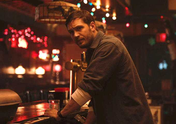 "Tom Hardy som bartendern i ""The drop"" (2014)."