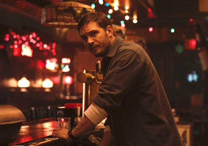"Tom Hardy som bartendern i ""The drop"" (2014)."
