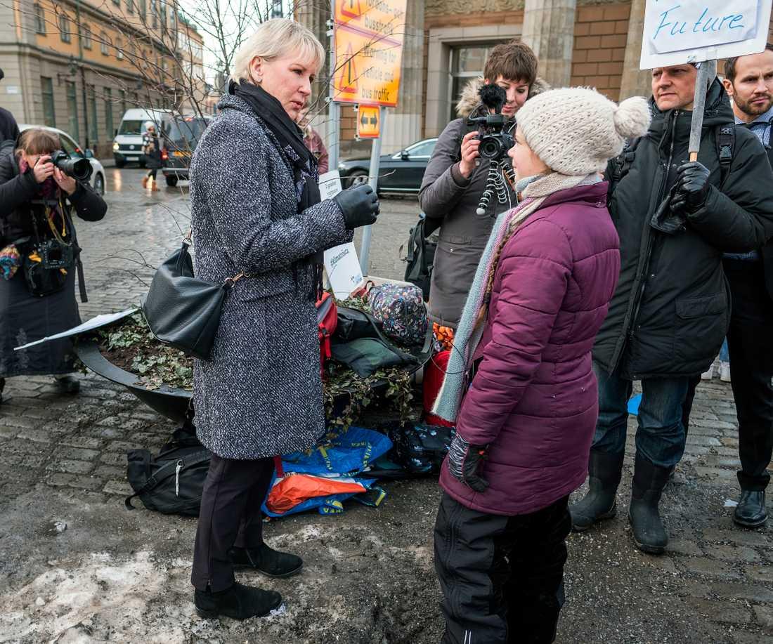 Greta Thunberg tillsammans med utrikesminister Margot Wallström.