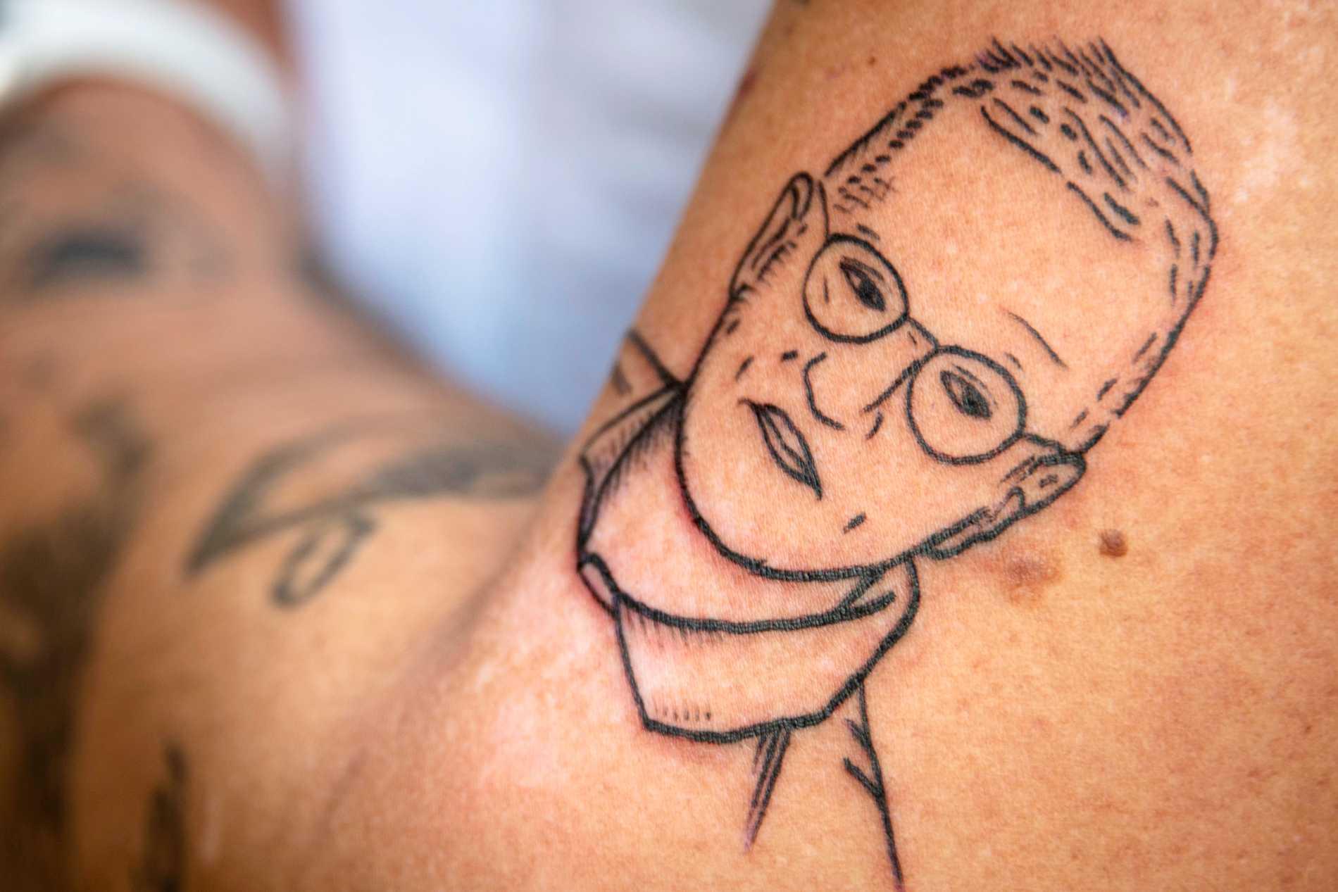 """Tegnell-tatueringen började som en gnuggis – nu är den """"på riktigt""""."""