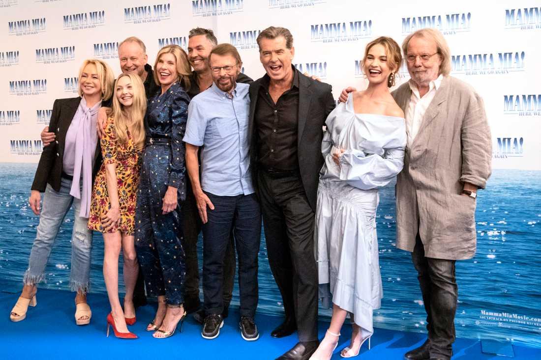 """Stora delar av """"Mamma Mia""""-gänget samlades på pressträff i Stocholm i veckan."""