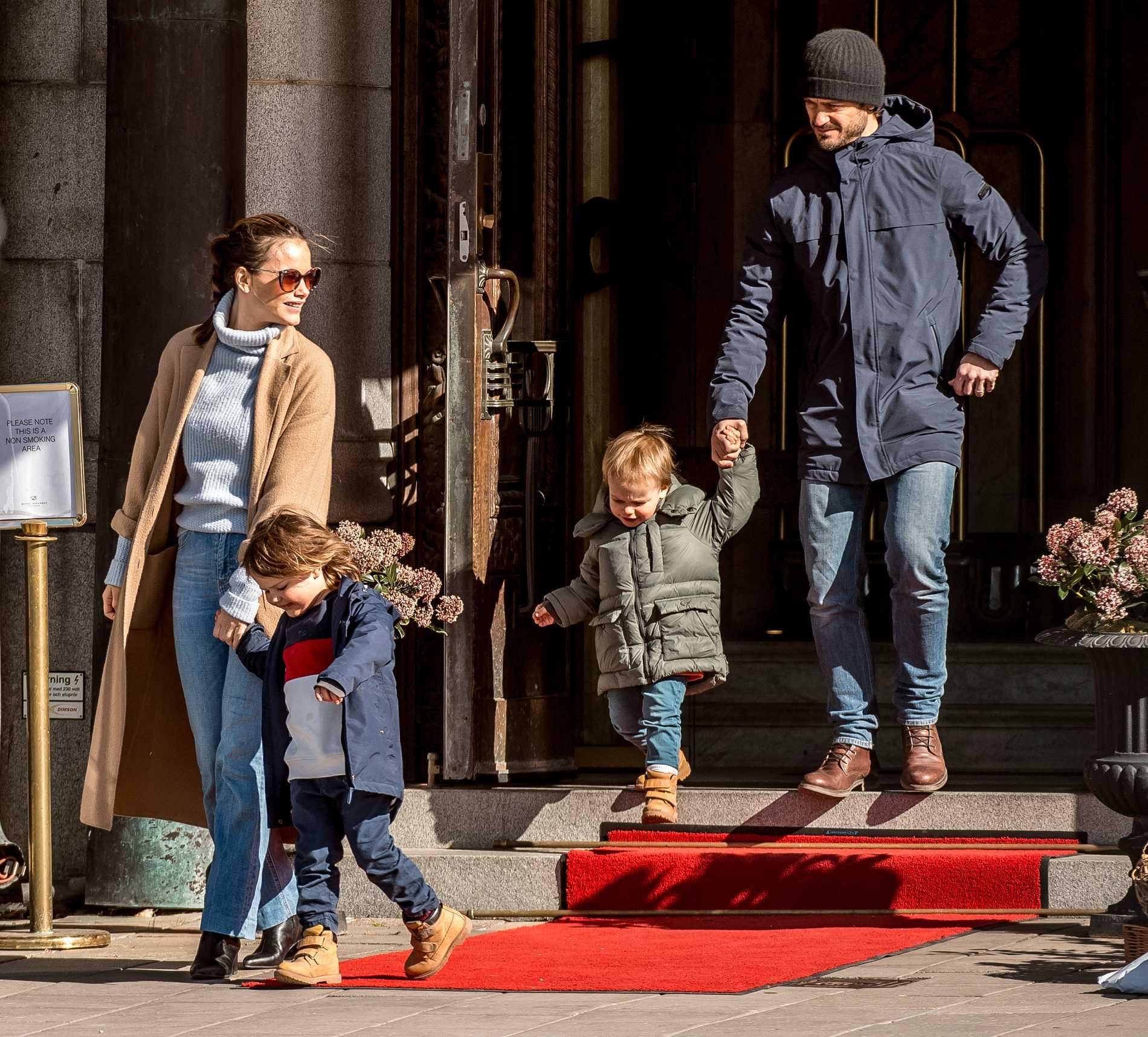 Prinsfamiljen i Stockholms innerstad i april 2020.
