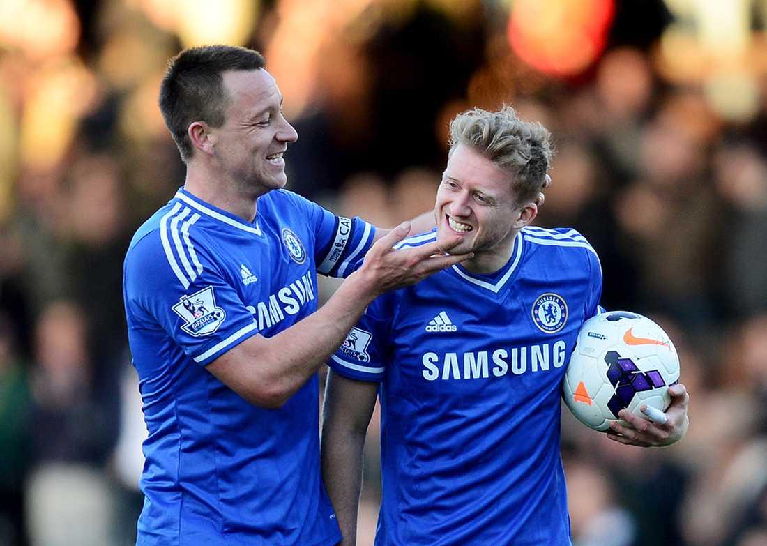 André Schürrle, här med John Terry, lämnar Chelsea.