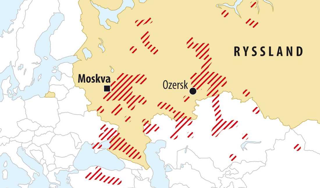 Bränder över hela Ryssland De rödstreckade fälten visar brändernas utbredning.