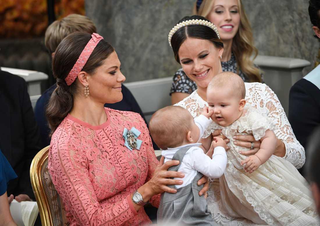 Det skiljer bara drygt en månad mellan Victorias son, prins Oscar och Sofias äldsta son, prins Gabriel.
