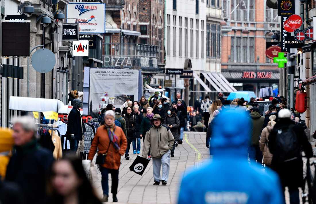 Bild från när butiker öppnade igen i Köpenhamn den 1 mars.