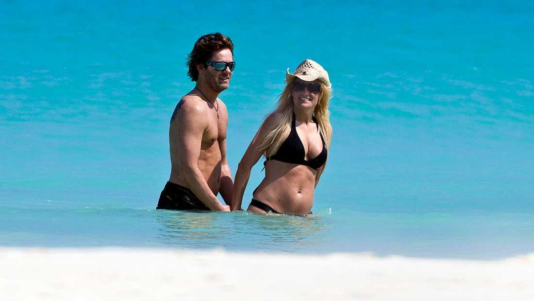 När Laila Bagge och Niclas Wahlgren gifte sig 2010 gick bröllopsresan till Aruba.