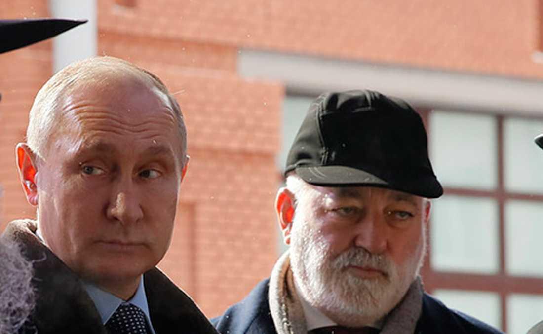Vladimir Putin tillsammans med Viktor Vekselberg i Moskva i januari i år.