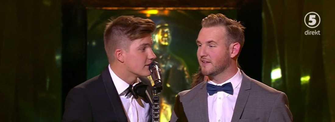Daniel och Emil Norberg håller tacktal.