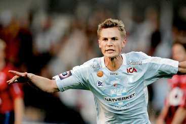 I 36:e minuten nickade Marcus Rosenberg in 1-0 mot Djurgården. Därmed var 756 mållösa minuter i allsvenskan över för förra årets skyttekung. Men Stockholmslaget vände - och vann.