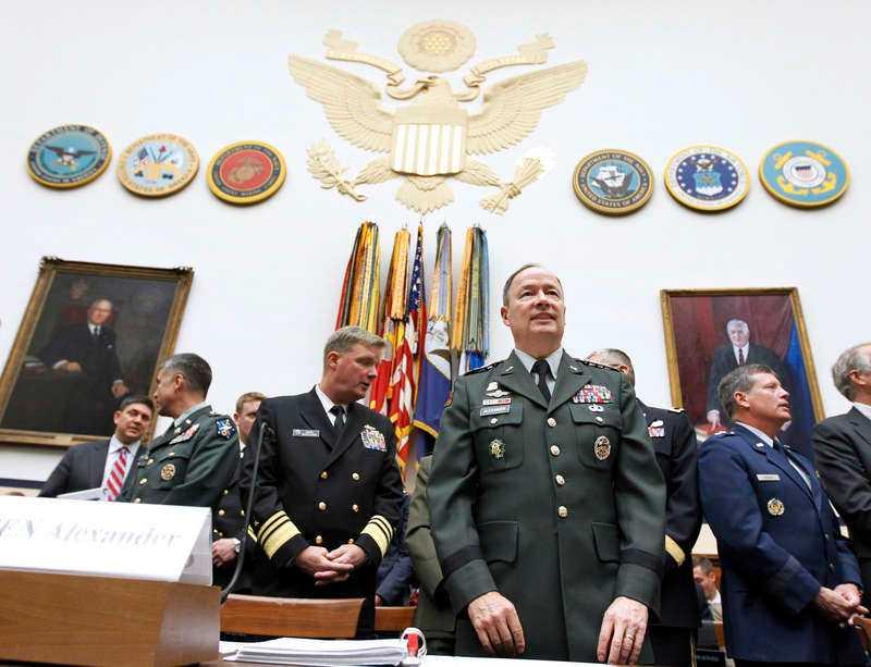 CYBERKRIG Generalen Keith B. Alexander är ansvarig för amerikanska arméns cyberkrigföring.