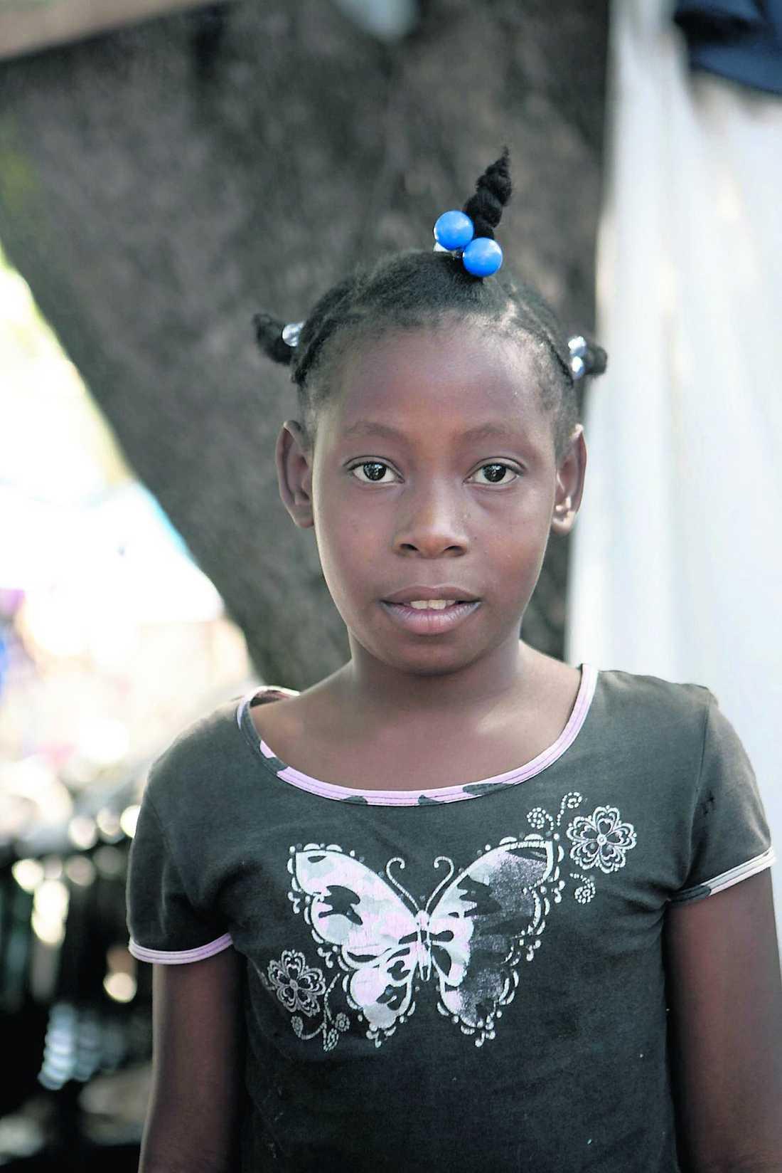 Amania Paul Fils, 10. Båda föräldrarna döda.