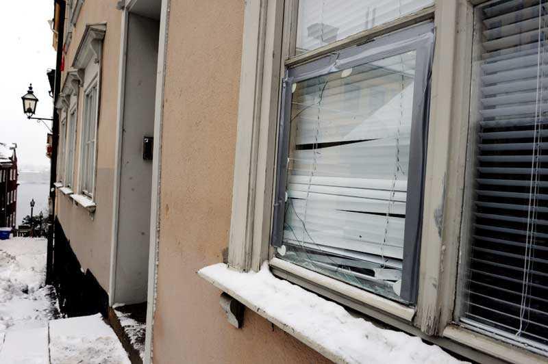 Mannen krossade flera fönster på Södermalm.