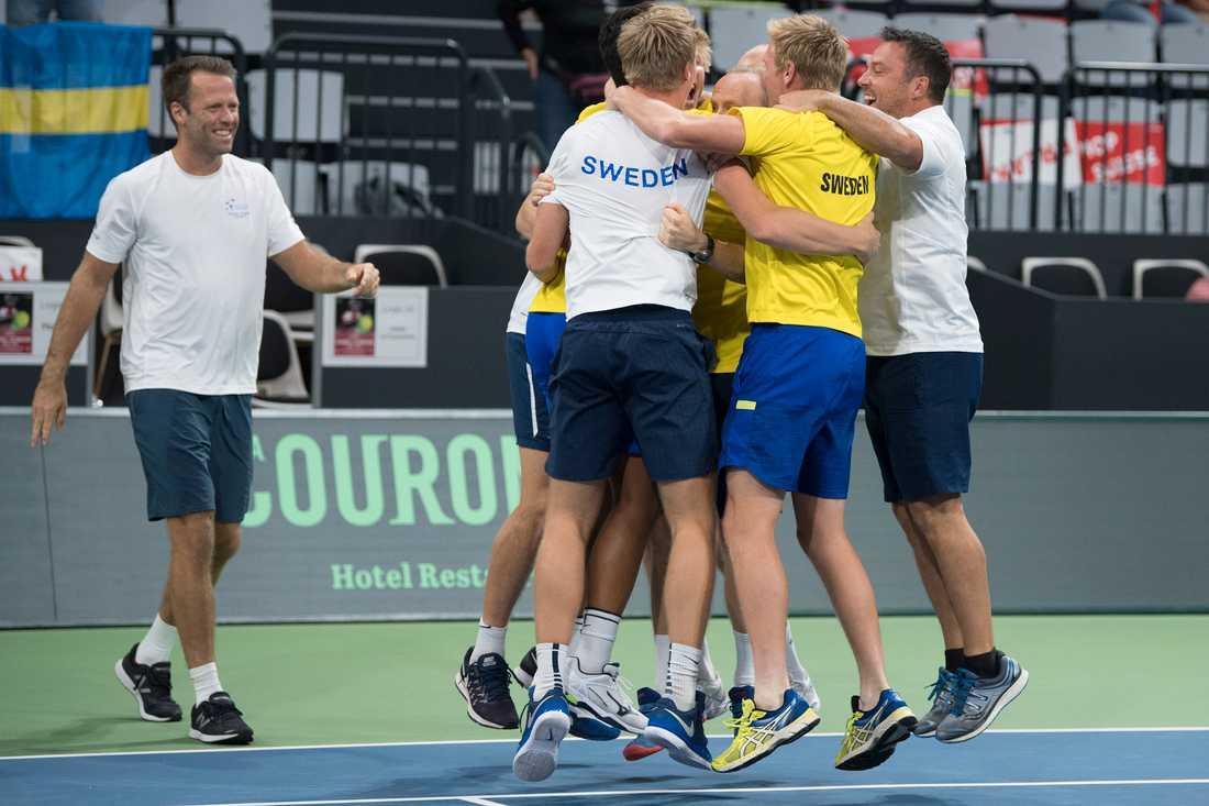 Sverige skrällde och vann över Schweiz i David Cup.