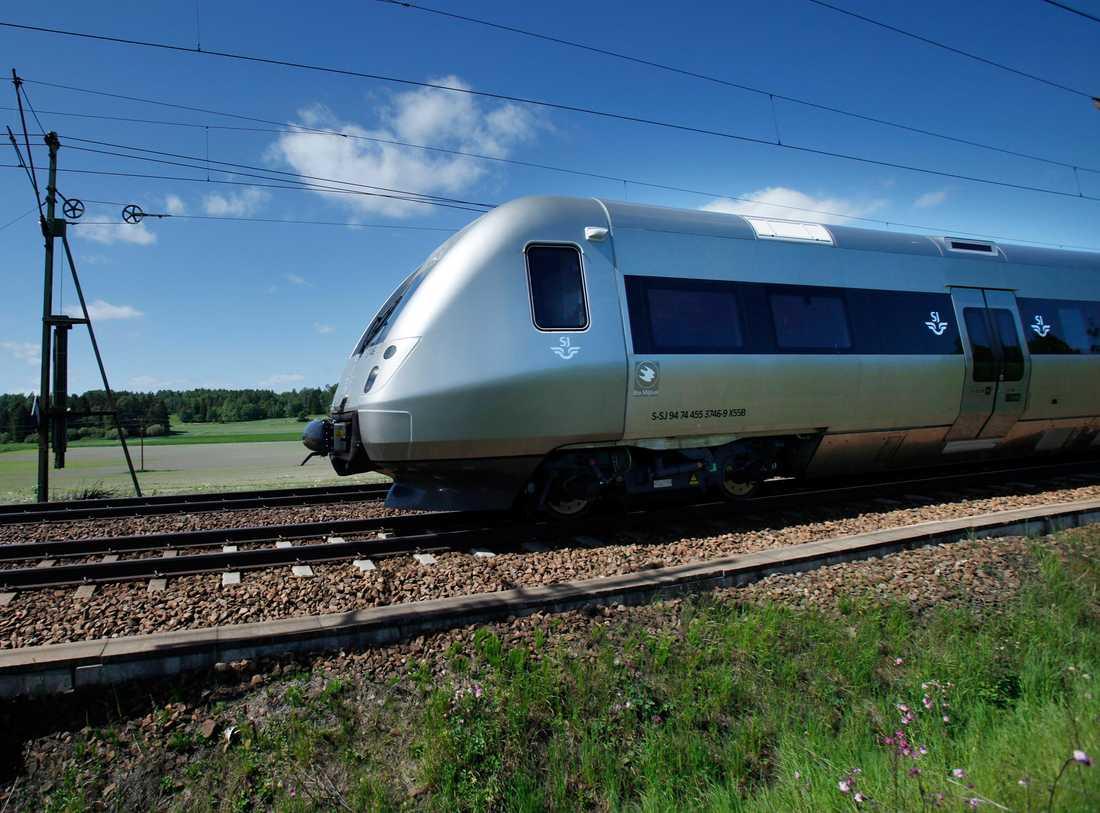 Maxfart 250 kilometer i timmen, men SJ3000 kan bara köras i 200 kilometer i timmen på svenska räls.