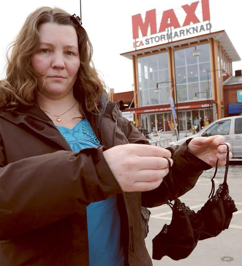 passar en sjuåring Jenny Nystedt reagerade starkt när hon såg spets-bh:n på barnavdelningen på Ica Maxi i Alingsås.
