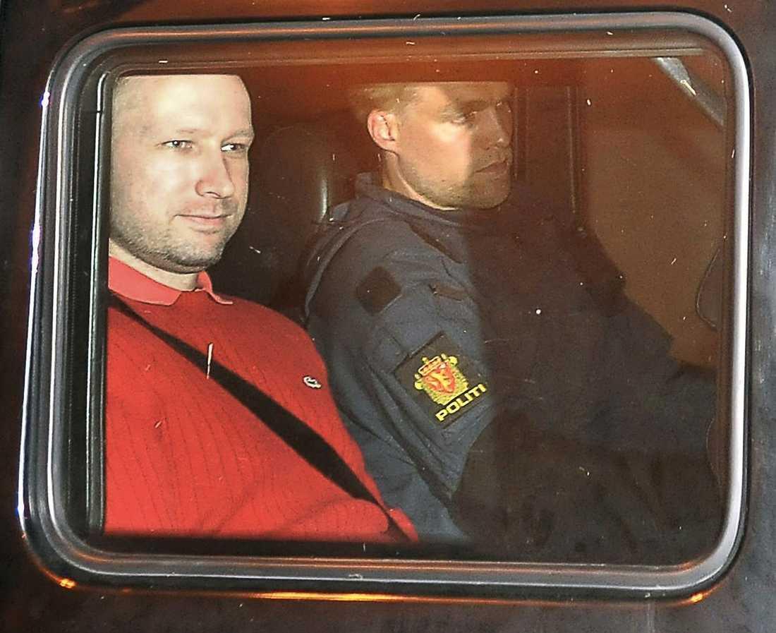 Telefonhot Det är ännu oklart om det var Breivik som ringde till norska regeringen fyra månader innan massakern på Utøya som skedde i juli 2011.