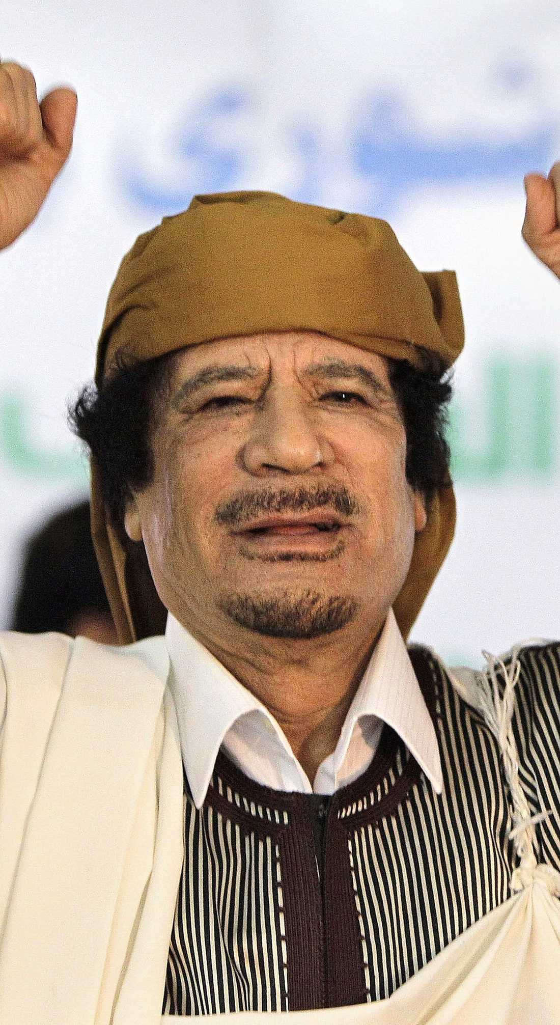 Gaddafi klarade sig oskadd.