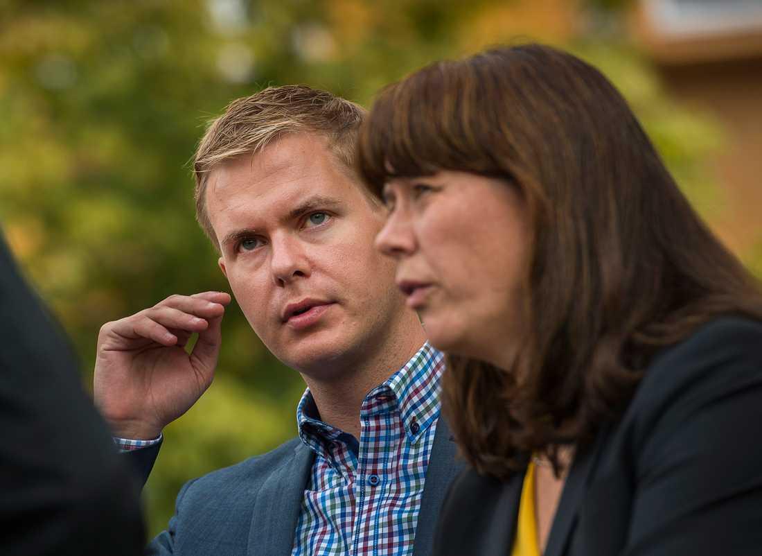 Flera djärva motioner ska behandlas på Miljöpartiets kongress. På bilden: Språkrören Gustav Fridolin och Åsa Romson.
