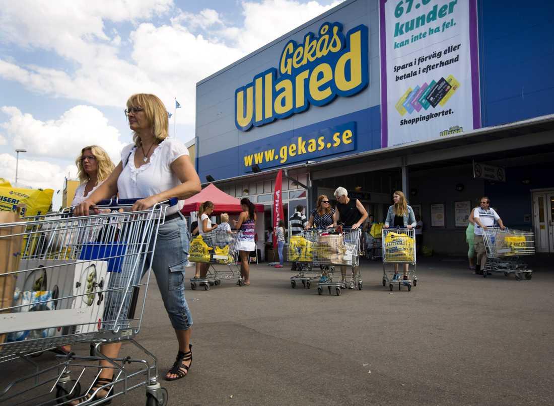 Ullared har blivit rikskänt tack vare bland annat tv-serien om varuhuset. Nu kommer rapporter från kunder om trängsel inne på varuhuset.