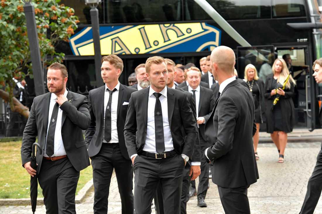 AIK-spelarna anlände tillsammans.