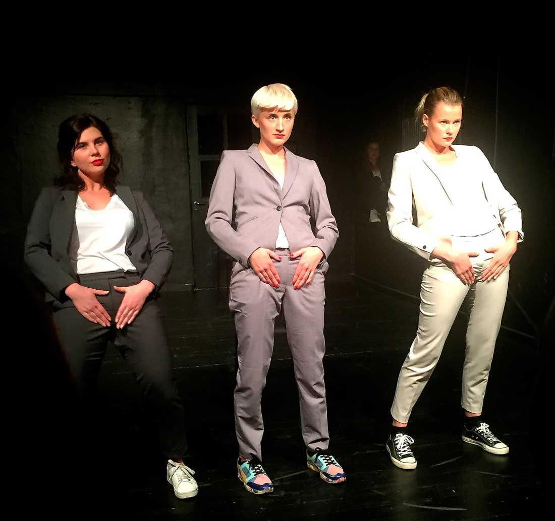 """Sonja Annersten, Julia Fahlgren och Sofia Salander i """"Gärningskvinnor 2.0"""". Foto: MOA ÅSTRÖM"""