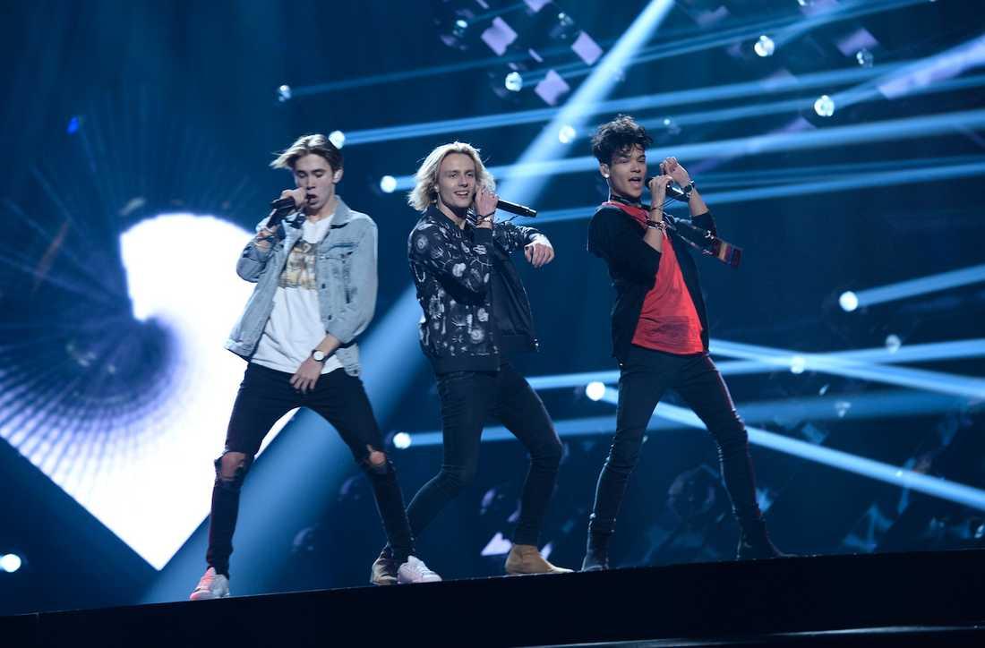 Felix Sandman, Oscar Enestad och Omar Rudberg på genrepet inför Melodifestivalens tredje deltävling.
