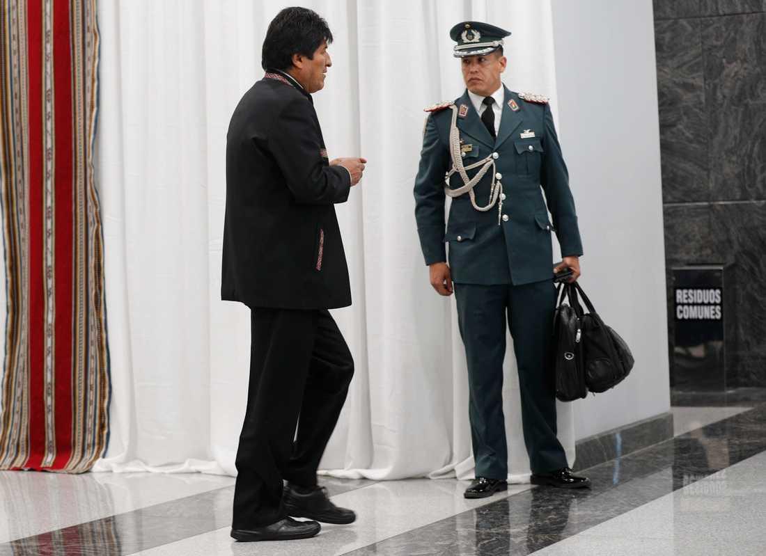 Bolivias president Evo Morales säger att protesterna mot valresultatet är del av en kupp mot honom.