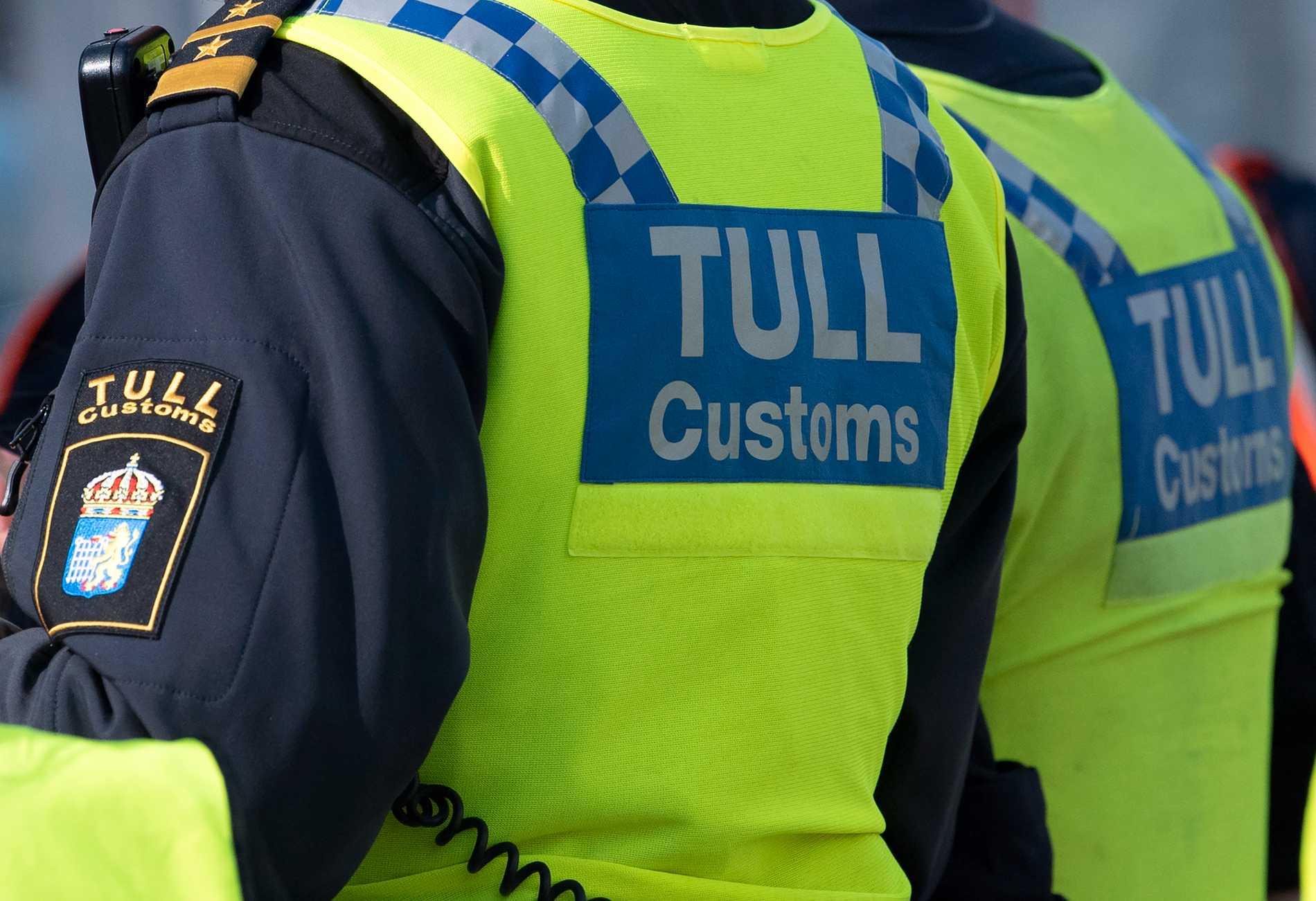 Tullpersonal bytte ut narkotikan mot ofarlig substans och lät chauffören köra vidare. Han greps sedan i Halmstad, tillsammans med två andra män. Arkivbild.