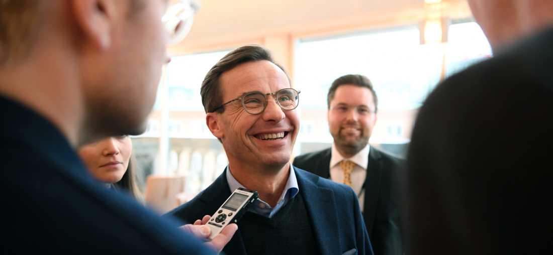 Ulf Kristersson möter pressen efter sitt möte med Jimmie Åkesson.