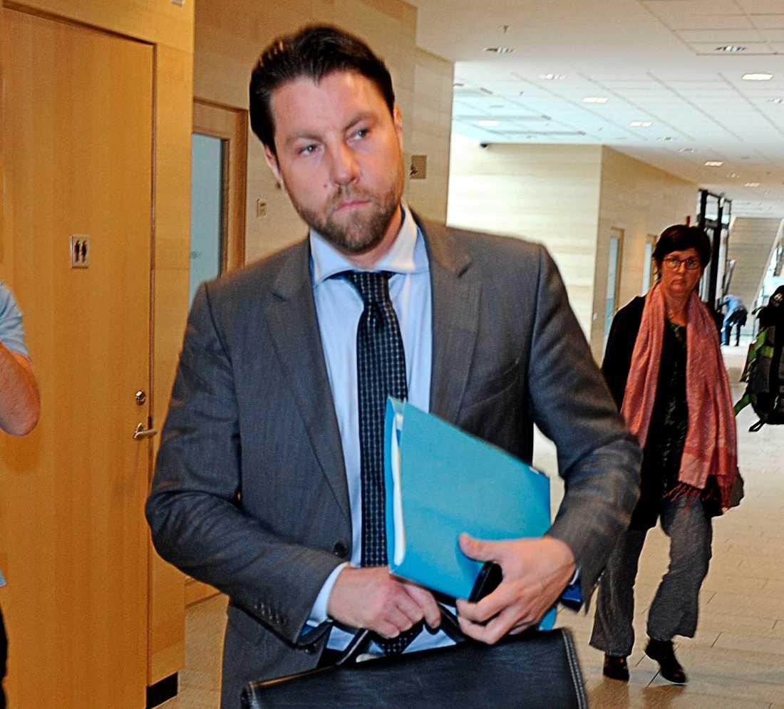 Advokat Anton Strand