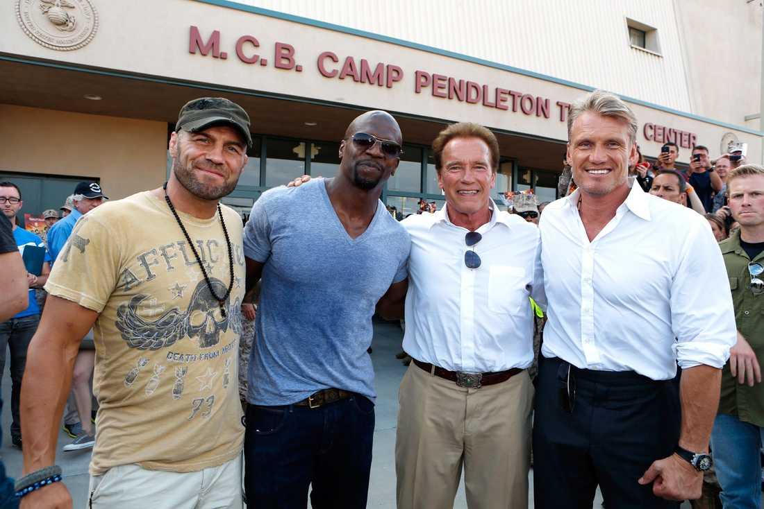 "Tillsammans med Randy Couture, Terry Crews och Arnold Schwarzenegger från ""The Expendables 2""."