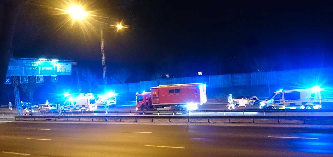 Trafikolycka på E4 vid Fruängen utanför Stockholm.