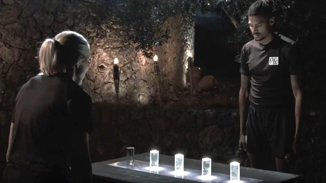 Här slocknar den sista ljusstaven i nattduellen – på Michel Tornéus högersida.