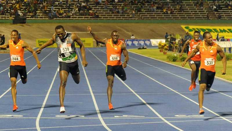 Bolt fick se sig slagen av landsmannen Blake även på 200 meter.