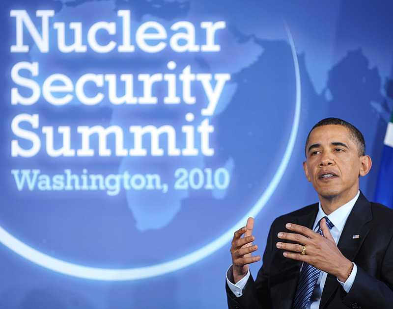 Ett 50-tal stats- och regeringschefer från hela världen deltar på toppmötet i Washington.
