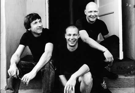 Esbjörn Svenssons trio Från vänster trummisen Magnus Öström, i mitten den omkomne Esbjörn Svensson och till höger basisten Dan Berglund.