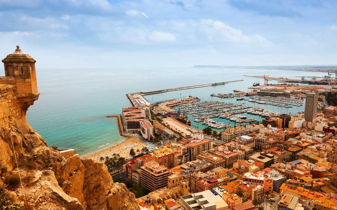 Alicante är bästa platsen för den som vill kombinera strandliv med stadsliv.