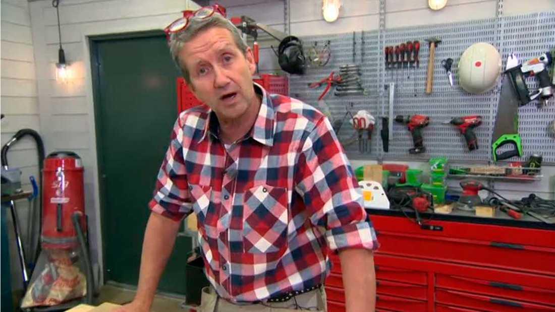 Martin Timell sparkas från alla TV4-program.