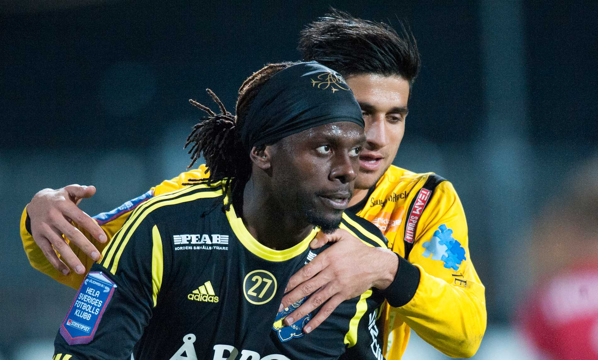 Mutumba i AIK:s tröja i höstas.
