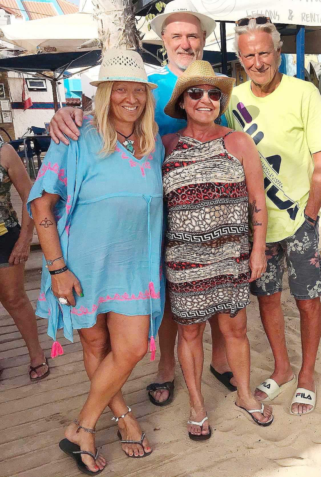 """Glenn Hysén, 60, och hustrun Camilla Lendott Hysén, 51, mötte makarna Björn och Patricia Borg under semestern på Kap Verde. """"Han är en av de stora hjältarna för mig"""", säger Glenn som hoppas att de ska hinna äta middag med paret Borg."""