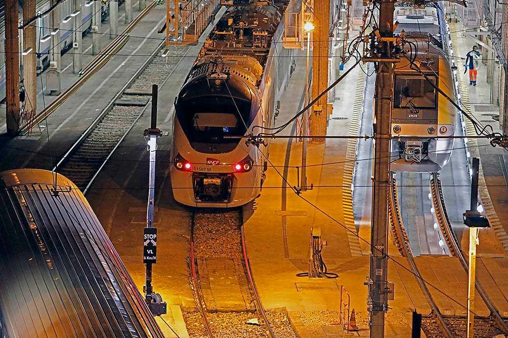 Makaveli Lindén kom med tåget från Chalons till Dijon.