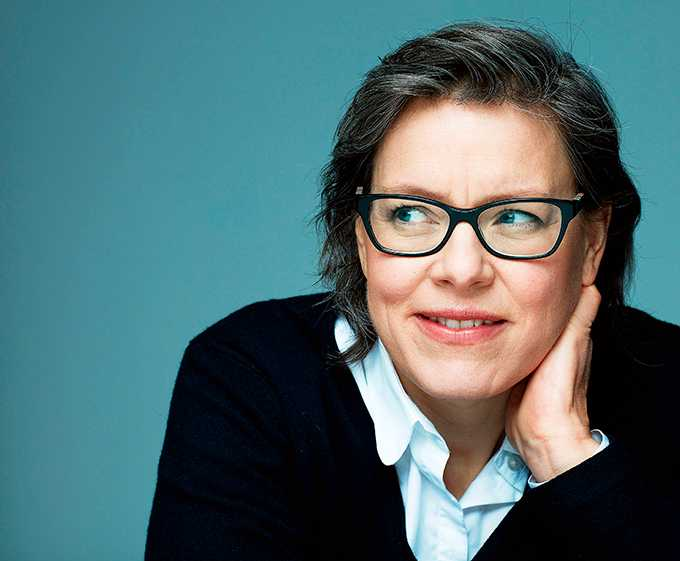 """Lena Andersson  (född 1970), fick  Augustpriset för """"Egenmäktigt förfarande"""" 2013. Hennes nya roman heter """"Sveas son – en berättelse om folkhemmet"""""""