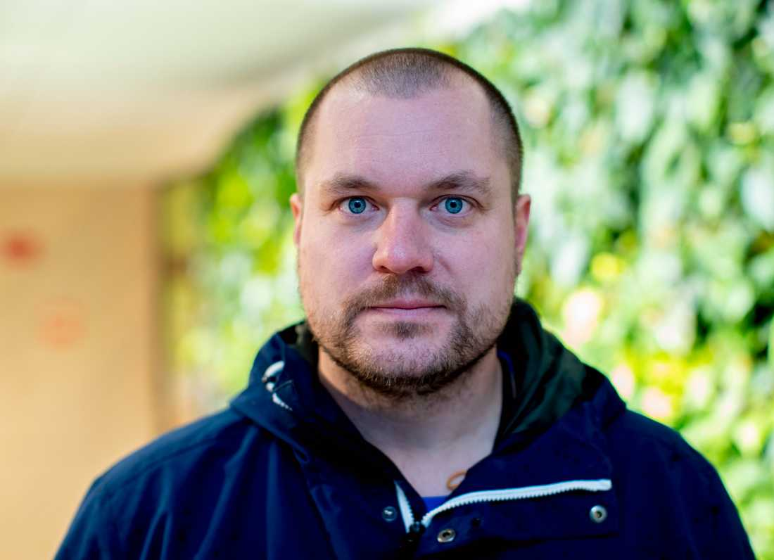 Andreas Grym vill att alla som utsatts för sexbrott på nätet ska göra en polisanmälan. Förövare som gett sig på många brottsoffer hittas ofta till slut. Spår av det som hänt på nätet finns kvar, för den som har verktyg och vet hur man ska söka.