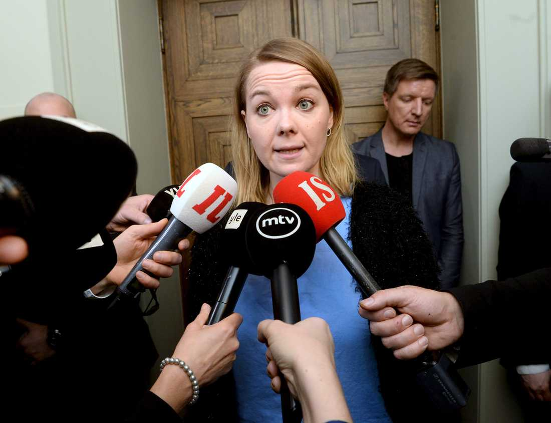 Centerns partiledare Katri Kulmuni talar om att det saknas förtroende för Antti Rinne efter att riksdagsgruppen hållit möte.
