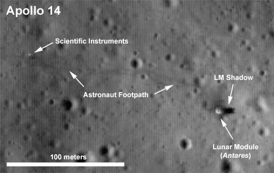 På bilden från teleskopet kan man, enligt NASA, tydligt se fotspåren från månlandningen med Apollo 14, 1971. Under den månpromenaden passade befälhavaren Alan Shepard på att spela lite golf –han slog två bollar i den låga gravitationen.