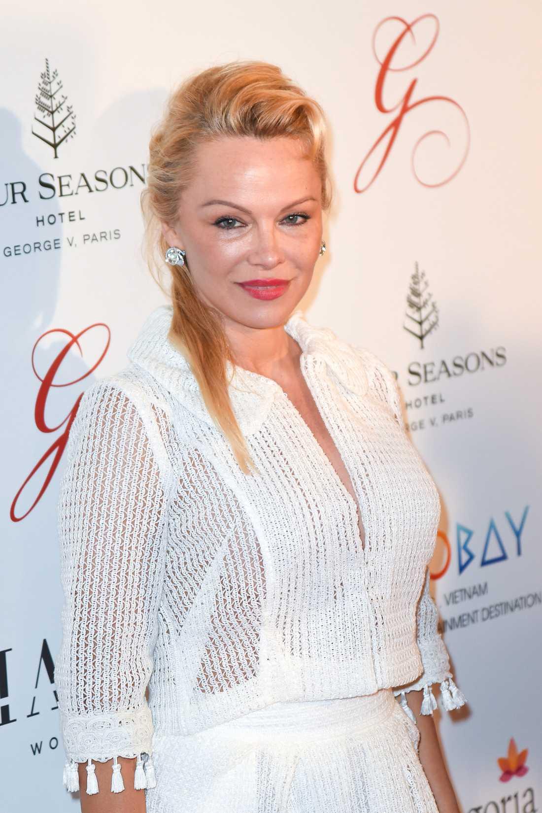 Pamela Anderson besöker Paris