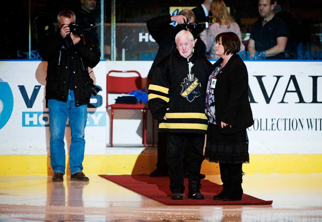 AIK-supportern Erik Olsson var med när hans avlidne tvillingbror Lennart hedrades.