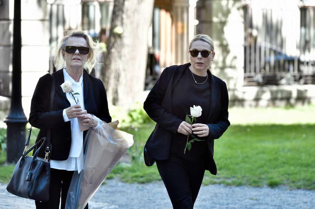 Marie Göranzon och Helena Bergström.