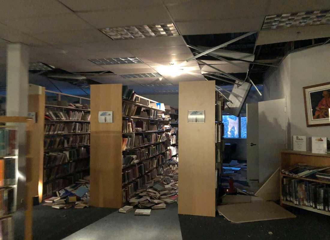Biblioteket i universitetet The Mat-Su College skadades i jordbävningen.